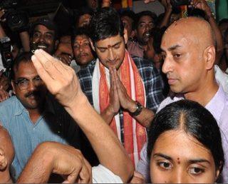Bharat Ane Nenu Movie Team at Vjayawada Durgamma Temple Pics